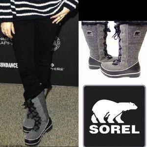 Sorel Tivoli Plaid Like New winter boots